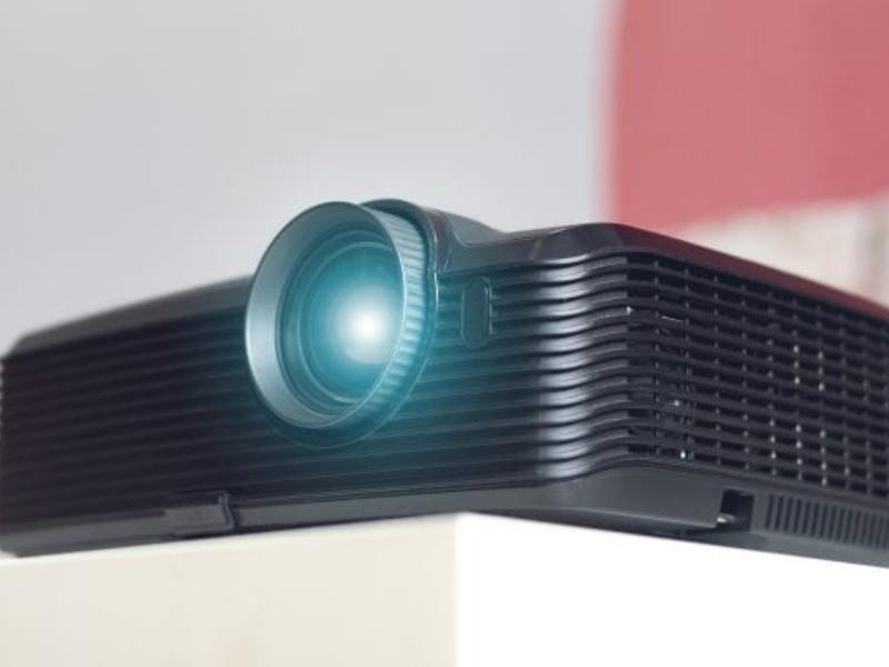 best-portable-mini-projectors