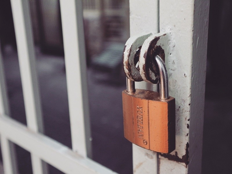 home-safety-hacks-1