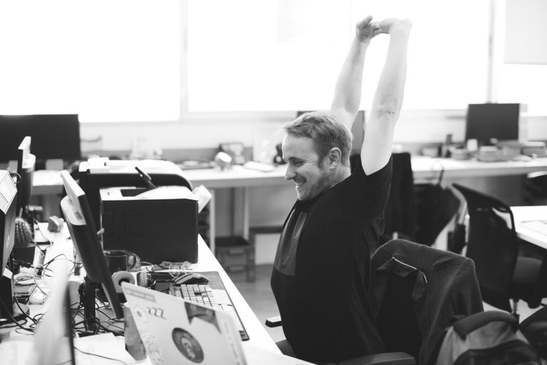 stretching-exercises-in-office
